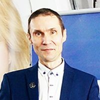 Руслан Ошаров